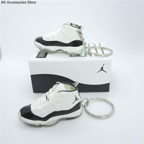 llaveros zapatillas nike