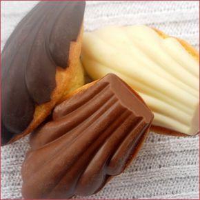 """Madeleines sur coque en chocolat - Une recette piqué ici sur le (génialissime) blog """"La cuisine de Bernard"""", j'ai obtenu des madeleines excellentes, ..."""