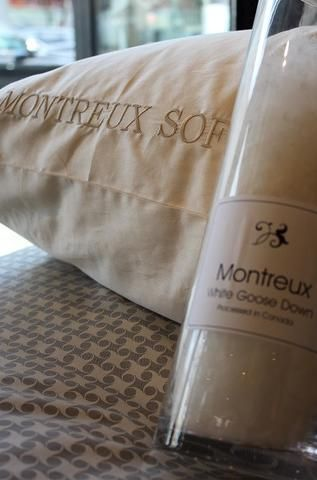 St. Geneve Montreux White Goose Down Pillow