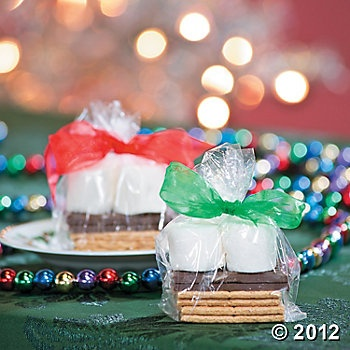 S'more Merry Christmas Treats. Was looking for something easy and cheap to hand out for Christmas gift to my sons school class. PERFECT