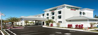 Marathon Hotel - Florida Keys | Courtyard Marathon Florida Keys