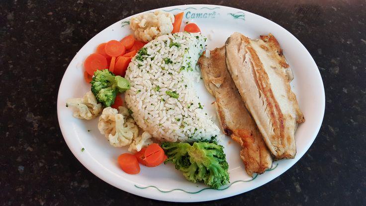 3 November 2016 (16:43) / Grilled Trout Meal, at Vivenda do Camarão on Parque Shopping Barueri, Barueri City, São Paulo.