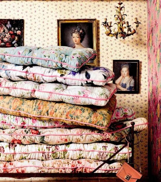 matelas pour le lit de la princesse au petit pois....