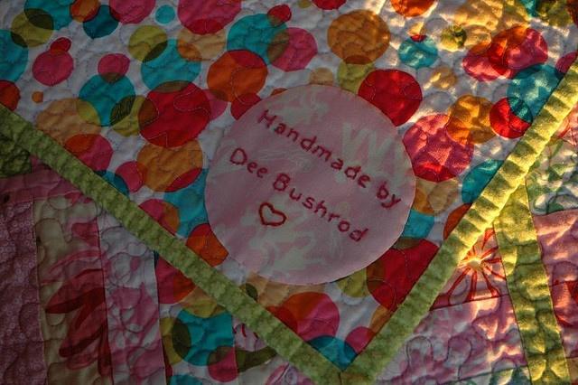 a round quilt label