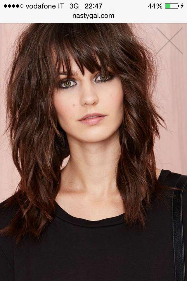 Hiusmalli Longbob Frisur Durchgestuft Mittellange Haare Frisuren Einfach Schone Frisuren Mittellange Haare