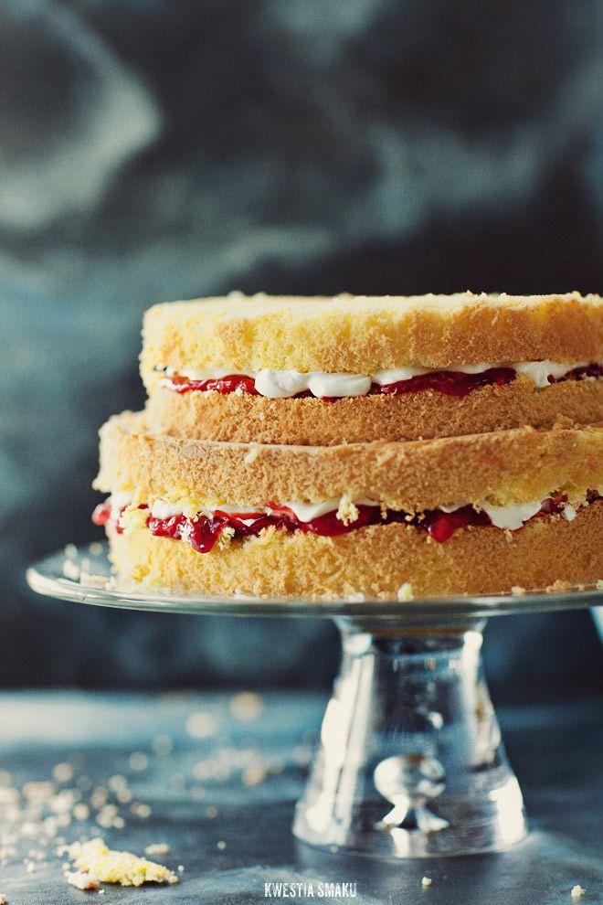 Strawberry yogurt dream cake