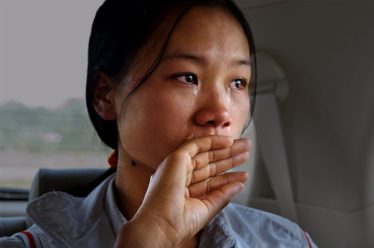 Somos todos iguais perante Deus. O sofrimento humano é universal. Vietnam.  Fotografia: Steve McCurry, 2007.