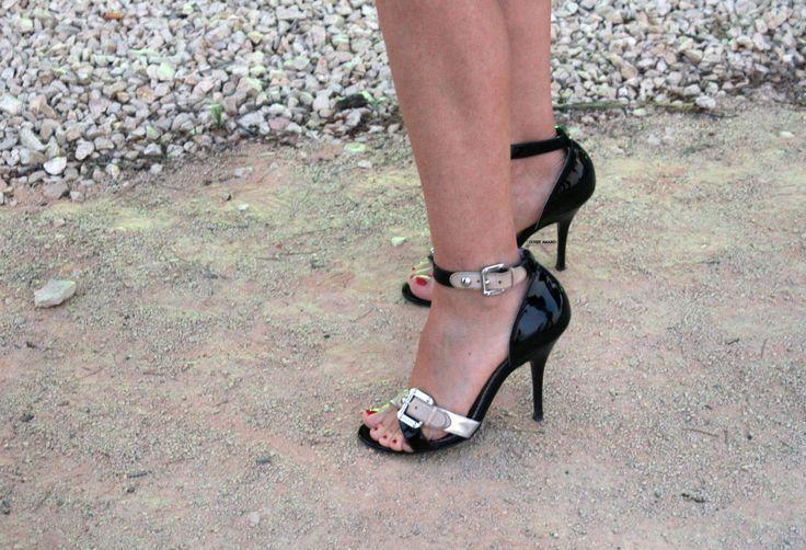 Shoes: Hot Shoes, Shoes Ooh, Bow Shoes, Splash Of Colors, Hawt Heels, Shoes Nice, Shoes Riff, Bows Shoes, Shoes Heels