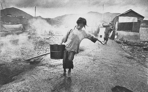 Ed Van Der Elsken_Fluchtlingsmadchen in HongKong_1960