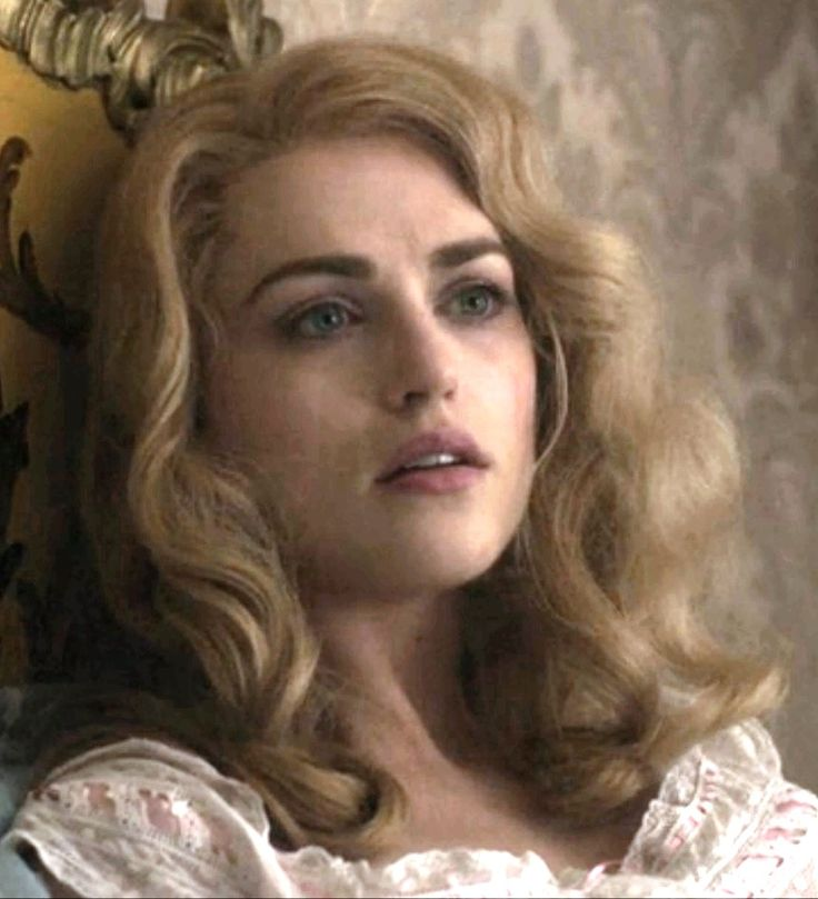 Katie McGrath as Lucy in Dracula