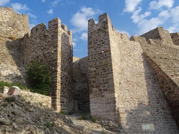 Λήμνος - Η κεντρική πύλη του κάστρου της Μύρινας