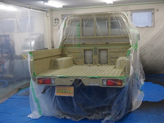 LINE-X塗装前の下地処理!マスキング(ランクル70:79ピックアップトラックの荷台) Toyota Landcruiser70 GRJ79 SPRAY-ON TRUCK BEDLINERS