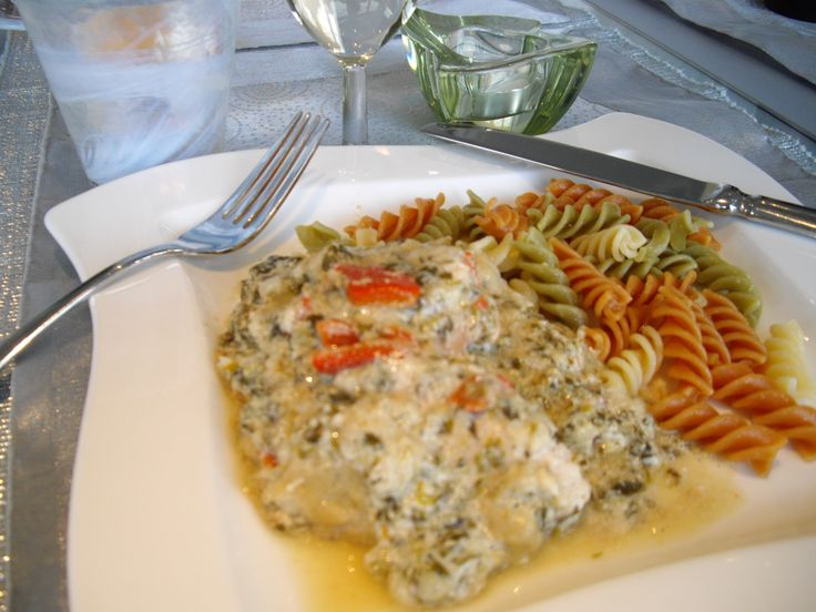 Spinach and Ricotta Pasta Sauce, with or without chicken. Delicious, full-flavored pasta sauce with tastes of peppers and dijon. http://nordiccooker.com/en/recipes/spinach-and-ricotta-pasta-sauce.