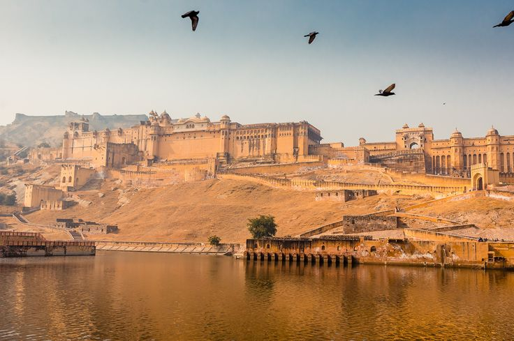 Here is the list of top best places to visit in jaipur including amer fort, hawa mahal, jantar mantar, raj mandir, albert hall etc. Must visits places