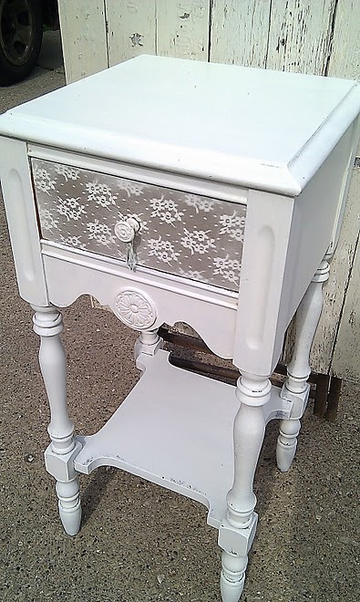 lace on furniture: Lace, Complimentary Piece, Diy Furniture, Apartment Ideas, Furniture Ideas, Crafts Diy, Craft Ideas