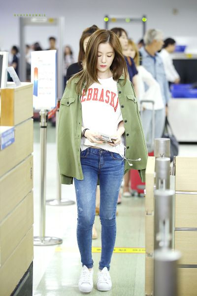 Irene Red Velvet Airport Fashion