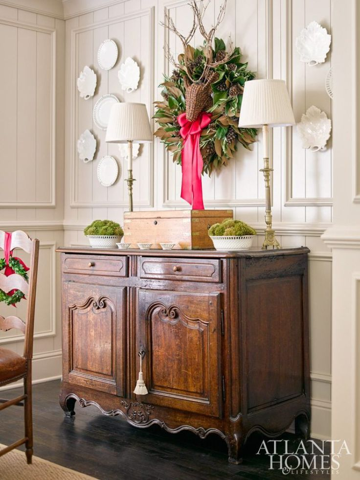 Pretty, low-key and natural holiday decor