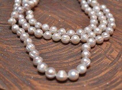 Perlas cultivadas por comunidades en Barú. Cómpralas en #MambeShop con el 35% de descuento! (Cra. 5 No. 117-25- Usaquén)