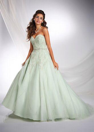 Immagine di http://www.marieclaire.it/var/marieclaire/storage/images/bozze/30-abiti-da-sposa-principesse-disney/abito-verde-menta-ispirato-alla-principessa-tiana/22916196-1-ita-IT/Abito-verde-menta-ispirato-alla-principessa-Tiana_image_ini_620x465_downonly.jpg.