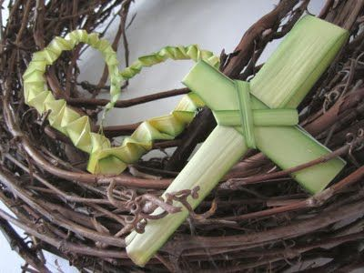 Can't believe the absence of neat Palm Sunday palm crosses on Pinterest. I should photograph my Celtic palm cross...