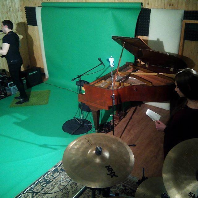 #branislav_jurnecka #tomaxgabris #greenbackground #green #studiolife #studio #photo #video #music #videomaker #videomaker #photostudio #movie #filmphotography #filmstudio #hd  #sony #greenscreen