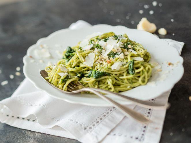 Fix und cremig: Schnelle Avocado-Spinat-Pasta