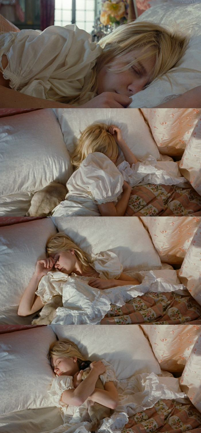 kirsten dunst in marie antoinette by sofia coppola, 2006 www.theadventuresofapinkchampagnebubble.com
