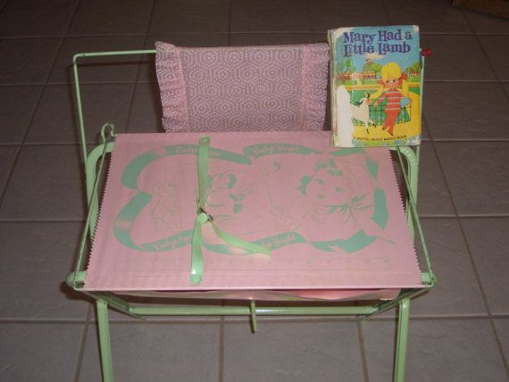 I had a doll bathinette like this: Dolls Bathinett, Vintage Dolls, Vintage Wardrobe, Mattel Music, Dolls Bassinet, Maker Book, Music Maker, Little Sisters, Vintage Toys