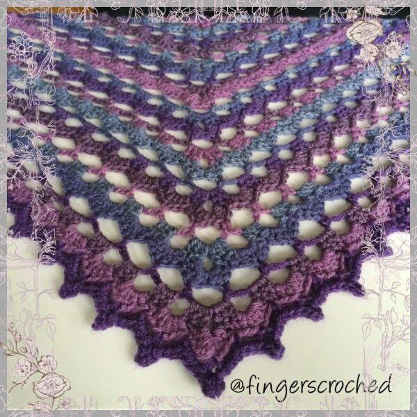 <!-- wpa2a.script_load(); //--> Jag känner mig ganska stolt! För ett tag sedan började jag leka medett eget mönster till en sjal och jag tycker att det blivitriktigt bra. Färgerna i sjalen påmin…