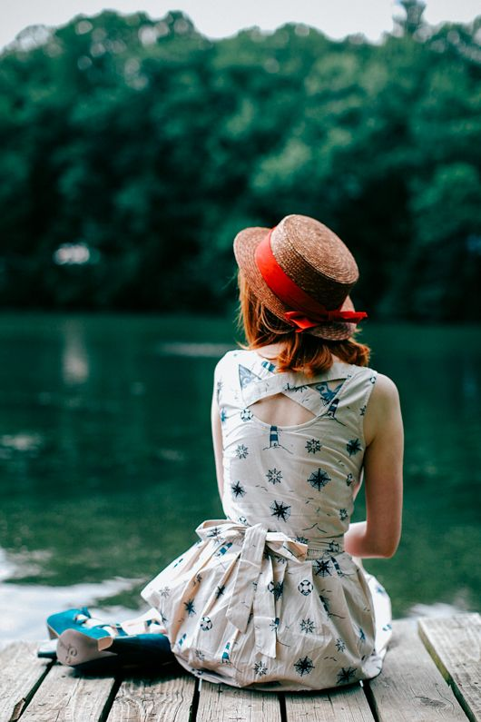 Rebecca of The Clothes Horse looks ready for the stylish adventure of a lifetime in the Compass For All Dress. Check out her blog for the deets!