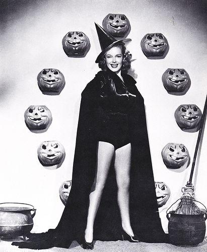 : Halloween Costume, Halloween Stuff, Halloween Witches, Vintage Halloween, Halloween Photo, Pinup, Pin Up, Costume Halloween, Happy Halloween