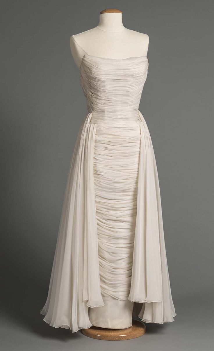 Evening dress by Bob Bugnand, 1957.