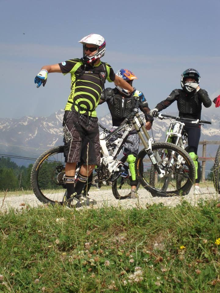 Corsi downhill, con noi è facile. Downhill val di sole, downhill trentino, noleggio downhill. www.centrobikevaldisole.com