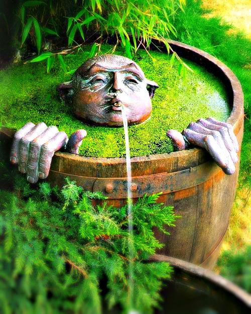 Alternative Gardning: Whimsical fountain for your garden