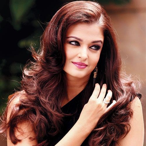 She started her acting career with Mani Ratnam's Iruvar, and now it looks like Aishwarya Rai Bachchan is all set to make a comeback to screen after a long maternity leave with a film to be directed by her debut film director.