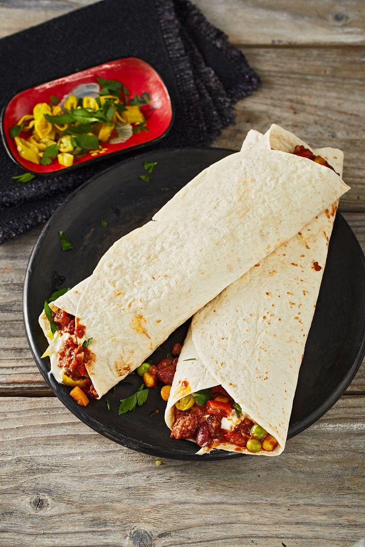 Albertos Wraps mit Chili con Carne: mit Hackfleisch, Kidney Bohnen, Mais und Tomatenmark