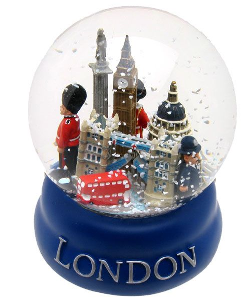 London snowglobe - I'm getting one of these next trip
