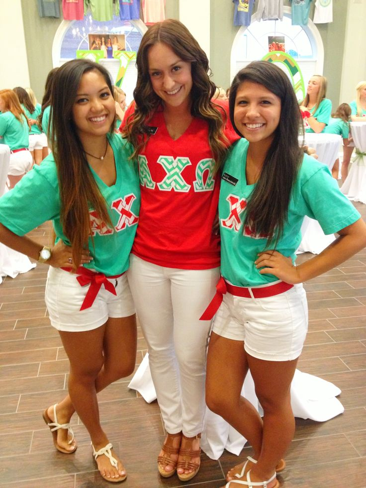 Alpha Chi Omega - sorority recruitment outfits. Would be awesome with Alpha Gamma Delta instead :)