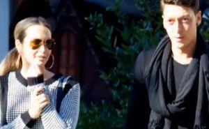 Mandy Capristo und Mesut Özil im Liebesglück
