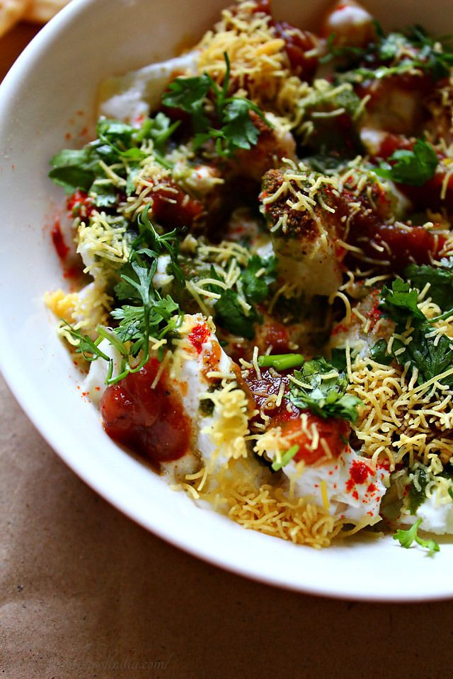 Papdi Chaat. Recipe for Indian street dish. Chickpeas, potatoes, yogurt, tamarind chutney. What's not to love?