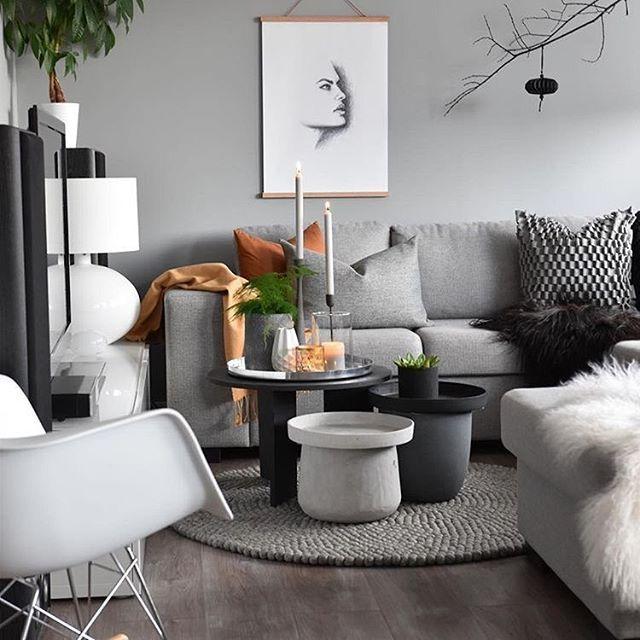 NEUTRAL GREY // En perfekt ren gråfarge hos @marenbaxter malt i Ambiance Xtramatt. Fargen heter Sølvrev og passer perfekt inn hos Maren Kalde nøytrale gråfarger passer perfekt til varme farger på interiørdetaljer #perfectgrey