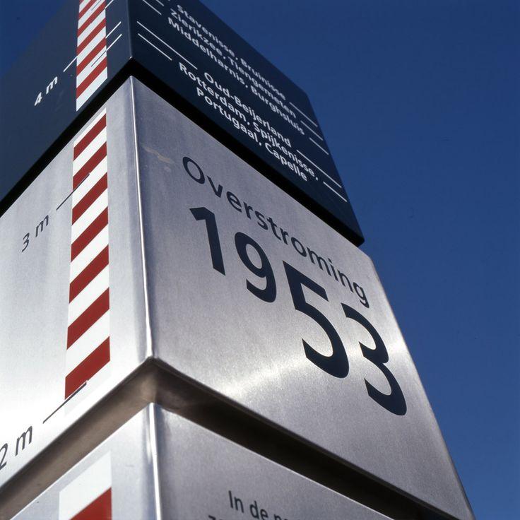 Information column Rotterdam. Design by ipv Delft.