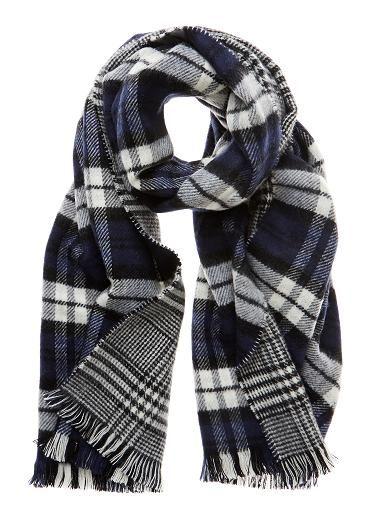 Soft reversible check scarf with eyelash fringing. Length 190cm, width 70cm. Acrylic.