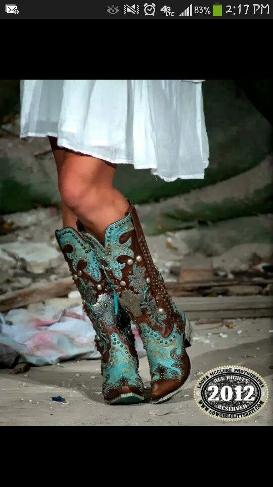 Prettiest dress boots ive ever layed my eyes on! Double D Luse
