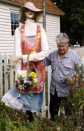 girl garden scarecrow | ... garden near Dunwoody. I need a garden girl again. I still have the