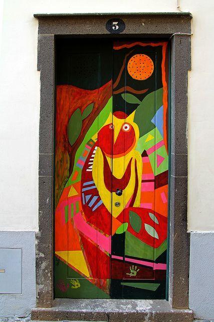 Porta dipinta a #Funchal, isola di #Madeira, #Portogallo