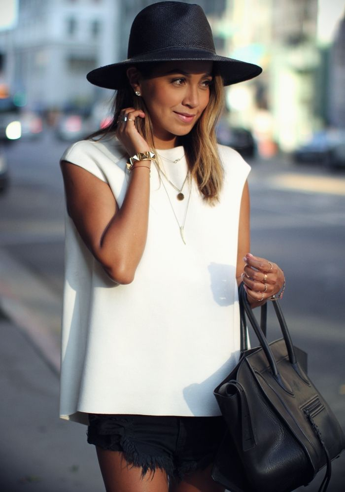 Resultado de imagen para fashion necklace outfit julie sariñana