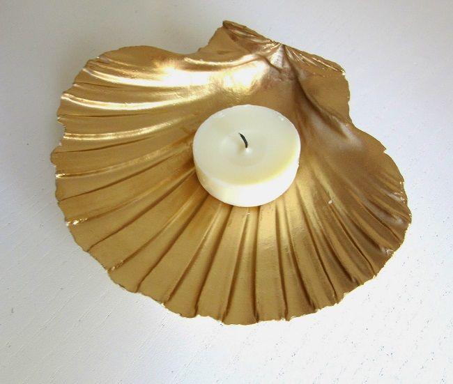 Golden shell tealight holder created using Pintyplus Basic spray paint.