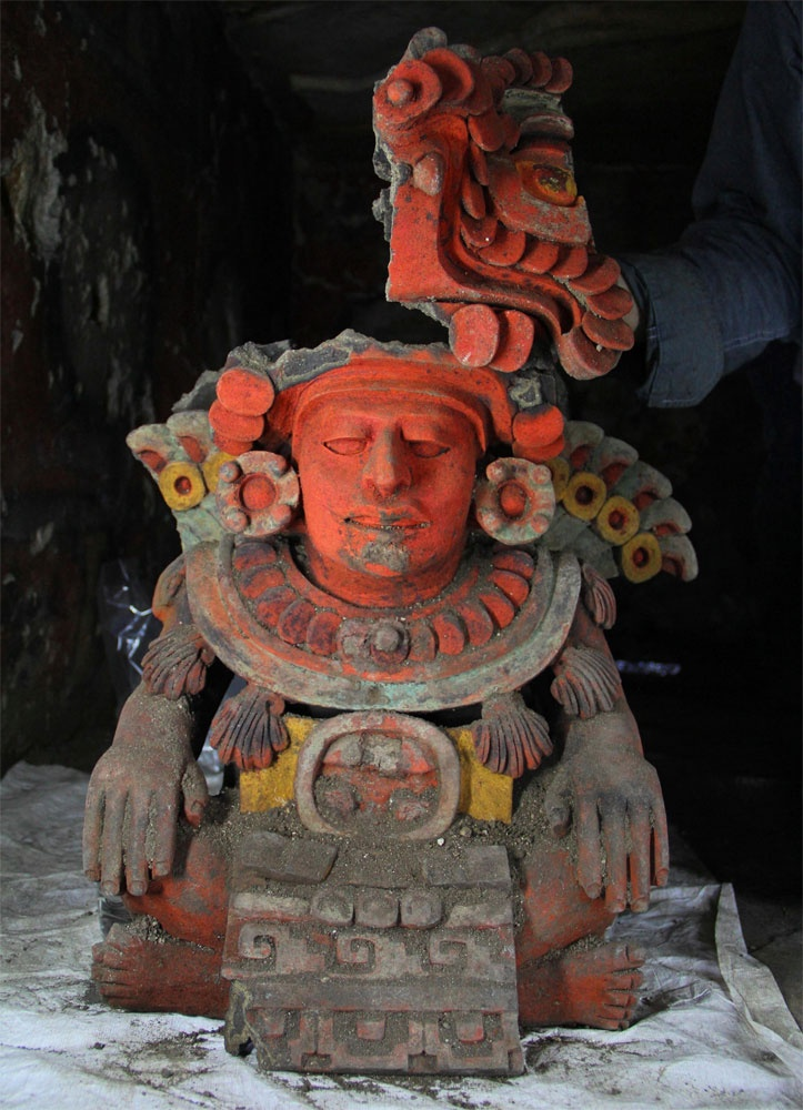In the summer of 2012 a burial of two high ranking individuals of the ancient Zapotec culture was discovered by archaeologists of the National Institute of Anthropology and History (INAH) within the third chamber of a tomb in the Aztompa Archaeological Zone in Oaxaca, Mexico. The iconography on the effigy may indicate the name of one of the individuals buried in the chamber. Image: INAH