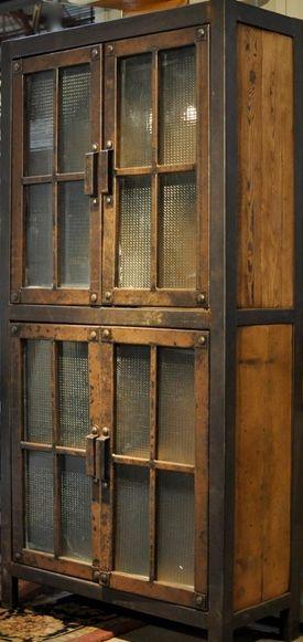 #kast #staal #hout #raamwerk #gebruikthout #meubelmaker  Mooie gesloten kast, oud gemaakt. Ook prachtig met een stalen frame met glas aan de voorzijde.